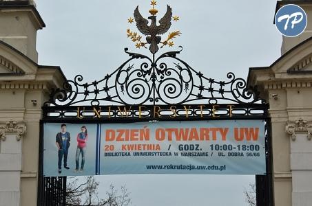 Posłowie uczcili 200-lecie Uniwersytetu Warszawskiego.