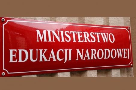 Komentarz MEN do wypowiedzi Sławomira Broniarza z ZNP. Egzaminy zgodnie z harmonogramem CKE.